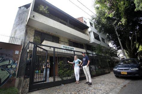 Colombia dice  Nunca más  a Pablo Escobar 25 años después ...