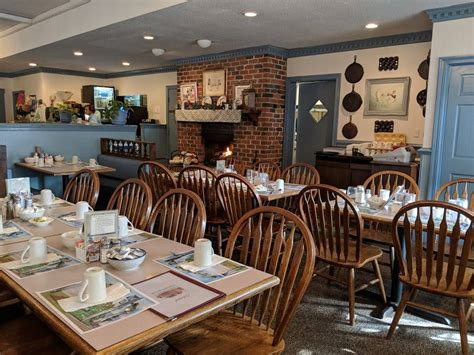 Colonial Pancake House   Restaurant | 301 Page St ...