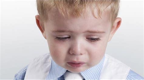 ¿Cómo ayudar a un niño cuando está triste?   Prensa Gráfica
