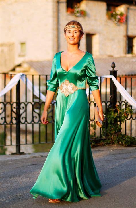 Cómo Combinar Un Vestido Verde Para Una Boda