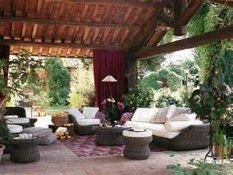 ¿Cómo crear un salón en el exterior? | Jardines de casas ...