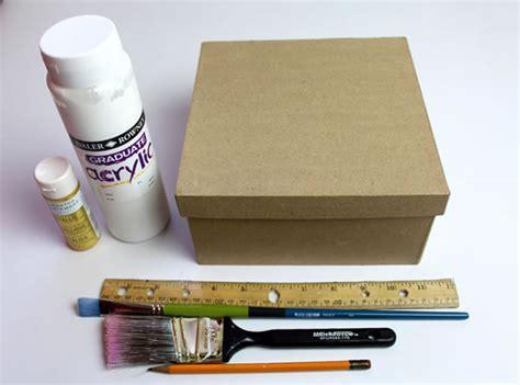 Cómo decorar una caja de cartón   Guía de MANUALIDADES
