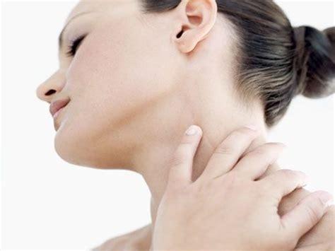 Cómo Ejercitar el Cuello para Evitar Dolores   Fisioterapia