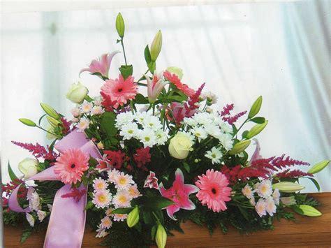 como hacer centros florales para cementerio 3