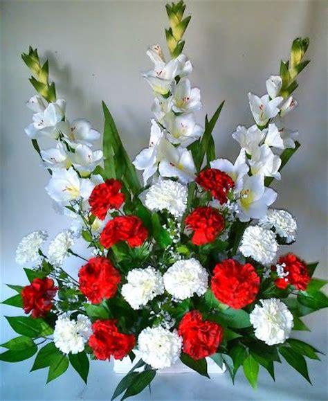 Como hacer un centro de flores artificiales con claveles y ...