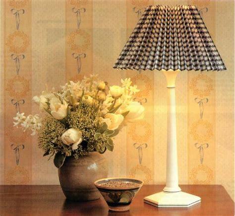 Cómo hacer una pantalla de lámpara con papel   9 pasos