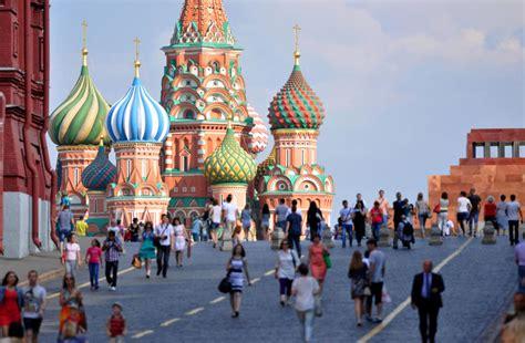 Cómo lucharon Moscú y San Petersburgo por el estatus de ...