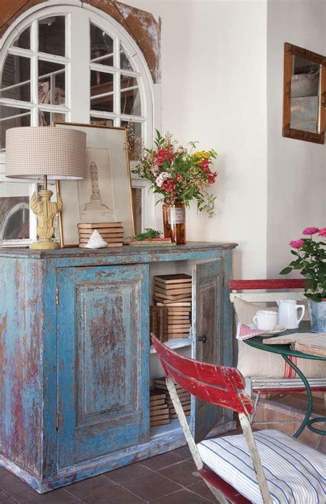 Cómo pintar muebles de madera. Ideas para renovar muebles.