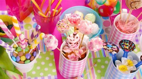 Cómo preparar bonitas mesas dulces para comunión de forma ...