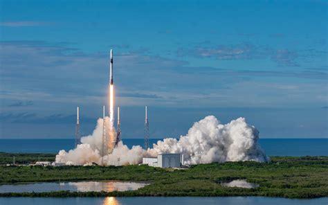 Cómo se vive un lanzamiento desde la terraza de la NASA ...