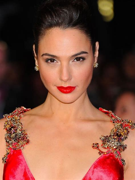 Compare Gal Gadot s height, weight, body measurements with ...