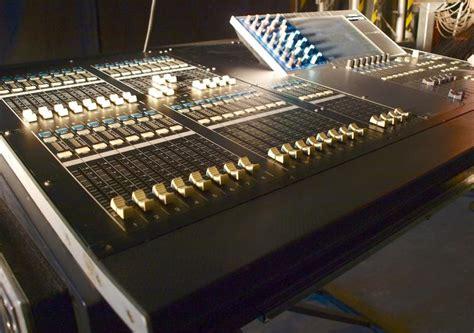 Comprar material de segunda mano para sonido e iluminación ...