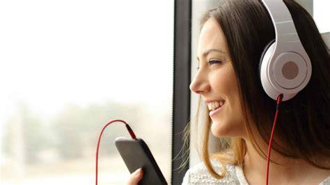 Con estas aplicaciones podrás escuchar radio en tu celular ...