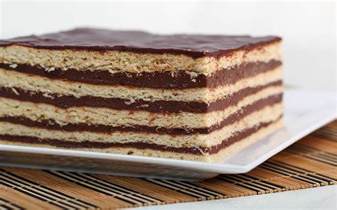 ¿Con ganas de un dulce? Rica torta fría de galletas