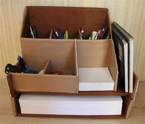 Con unas cajas de cartón fabricaremos éste organizador ...