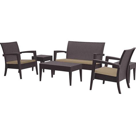 Conjunto de muebles de Jardín Petra hechos en resina