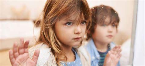Consejos para ayudar al niño a combatir la tristeza ...
