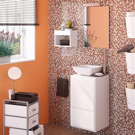 Consejos para colocar estantes en el baño   Leroy Merlin