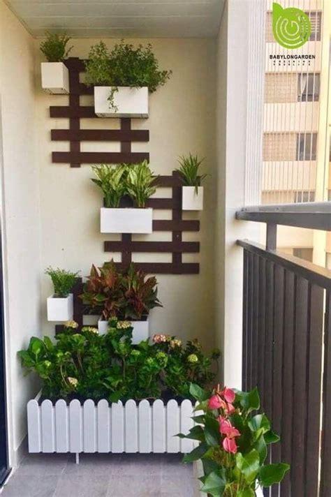 Consejos para decorar balcones pequeños con plantas
