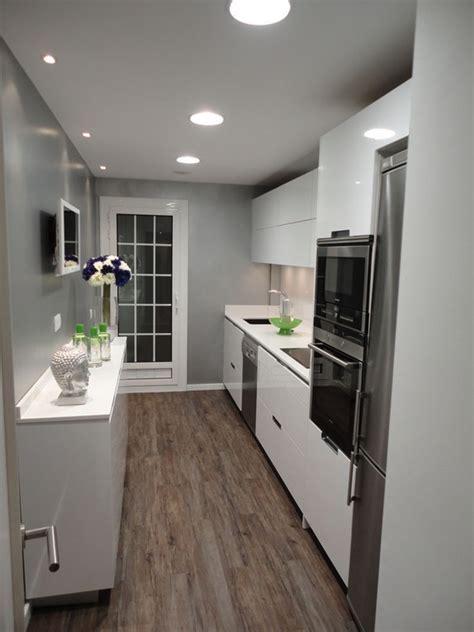 Consejos para decorar una cocina pequeña alargada
