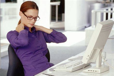 Consejos para evitar molestias físicas al usar la PC ...