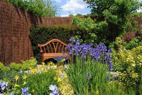 Consejos para que un jardín pequeño se vea más grande ...