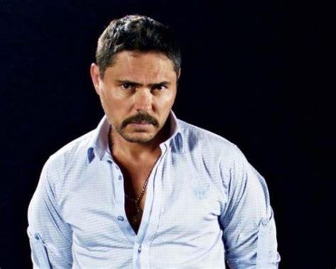 Contratar Lucho Velasco  011 4740 4843  o al  011 2055 ...