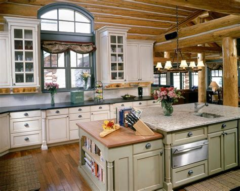 Cottage/Country Kitchen island   Images by Benning Design ...