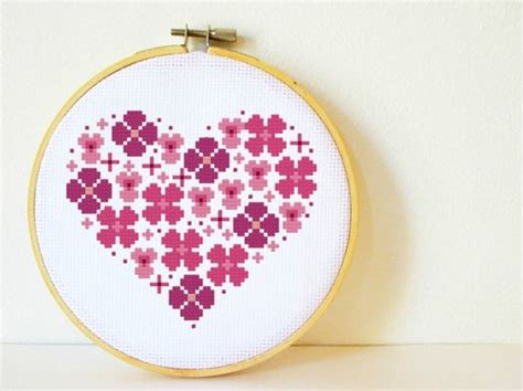 Counted Cross stitch Pattern PDF. Instant download. Flowers