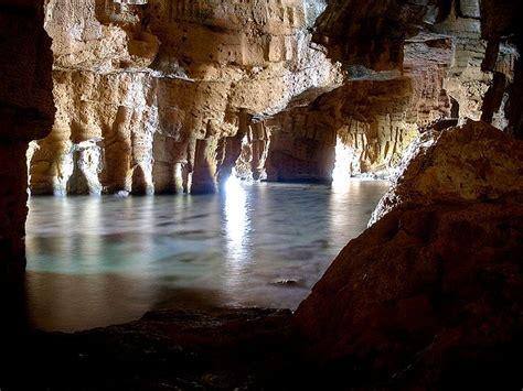 Cova tallada   Interior de la cova tallada de denia   Simo ...