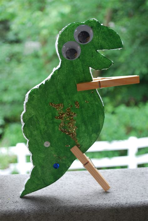 Craptastic Crafts for Kids: Clothespin Dinosaurs