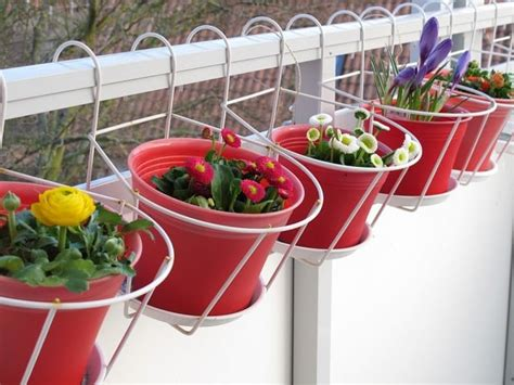 Creative Ideas for Balcony Garden Containers | Balcony ...