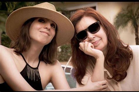 Cristina anunció que regresa al país junto a Florencia ...
