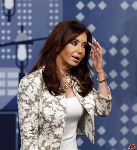 Cristina Fernandez de Kirchner   Ruffle blouse, Fashion ...