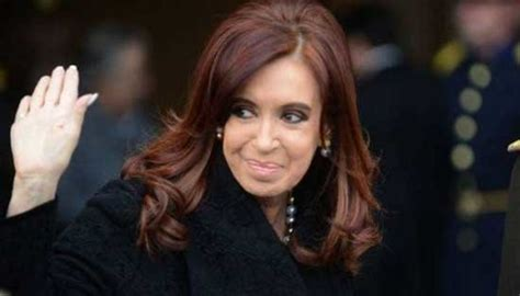 Cristina Kirchner juega con la posibilidad de su regreso