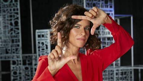 Cristina Teva:  Pedro Almodóvar ha vivido tanto que te ...