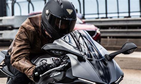¿Cuál es la ropa ideal para andar en moto? – Gente de Moto