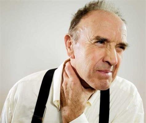 Cuáles son los primeros síntomas del cáncer de laringe