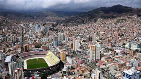 ¿Cuánta altura hay en el Estadio Hernando Siles y en La ...