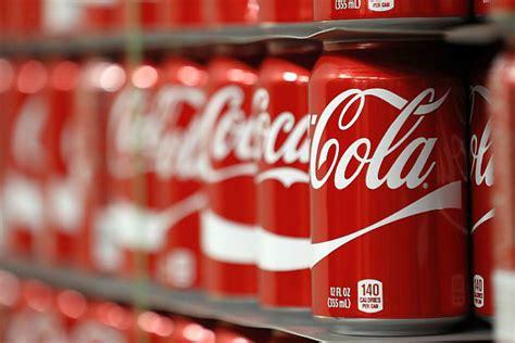 ¿Cuánto es la inversión de Coca Cola en publicidad?