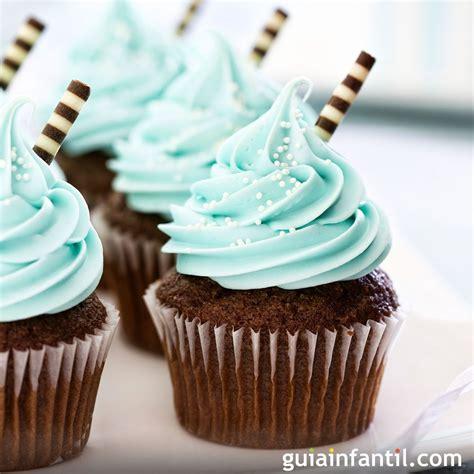 Cupcakes de chocolate y menta, postre para niños