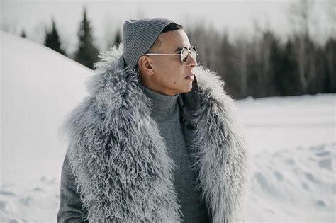 Daddy Yankee graba video en hotel de hielo. – Parkingmix
