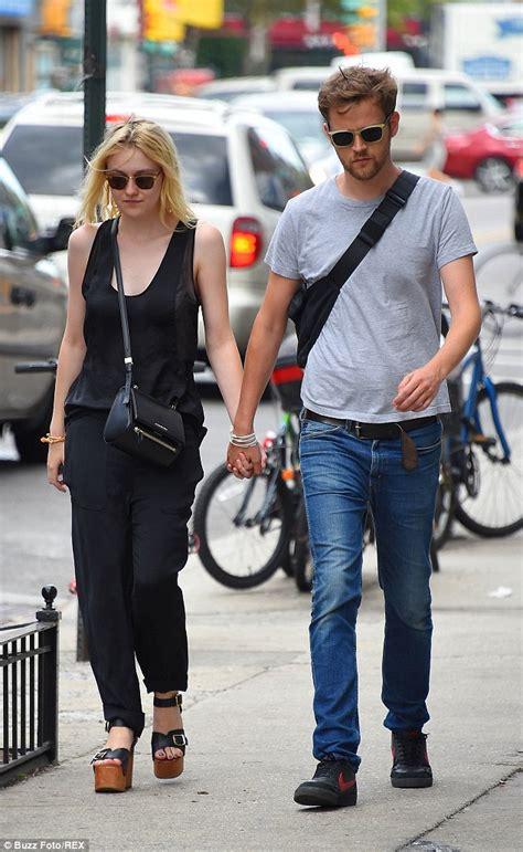 Dakota Fanning content with boyfriend Jamie Strachan ...