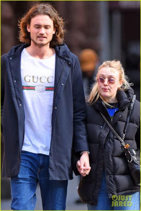 Dakota Fanning Couples Up With Boyfriend Henry Frye on ...