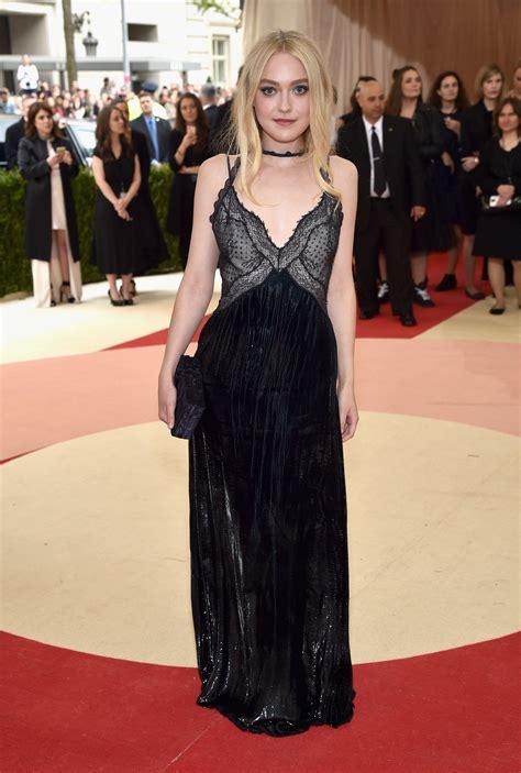 Dakota Fanning | Fashion, Nice dresses, Red carpet dresses ...