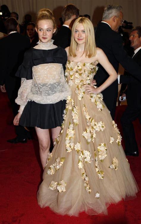 Dakota Fanning Feuding With Sister, Elle Fanning? Famous ...