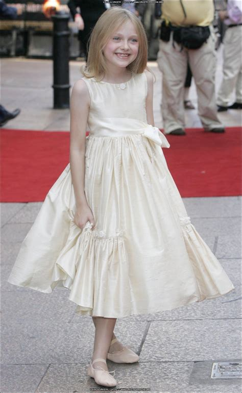 Dakota Fanning    War of the Worlds  Premiere 2005 ...