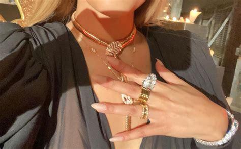 Danna Paola deslumbra con joyas Bvlgari