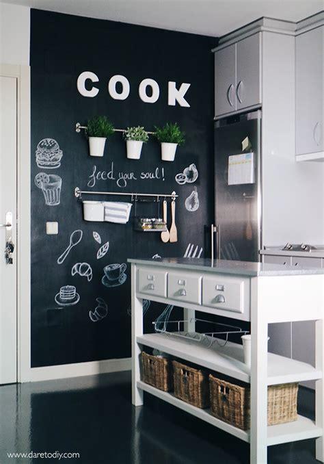 Dare to DIY: DIY DECO: Transforma tu cocina con una pared ...