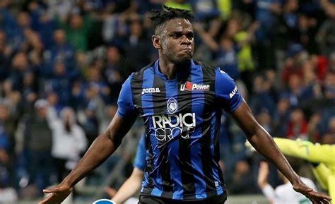 De la mano de Duván Zapata, Atalanta se metió en la Champions